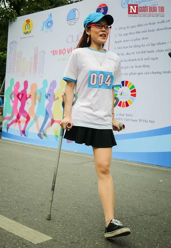 """Phó Thủ tướng Trương Hòa Bình cùng hàng ngàn người xuống đường, hưởng ứng """"Đi bộ vì sức khỏe"""" - Ảnh 3"""