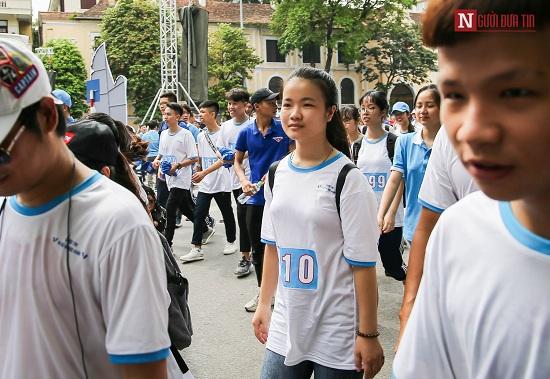 """Phó Thủ tướng Trương Hòa Bình cùng hàng ngàn người xuống đường, hưởng ứng """"Đi bộ vì sức khỏe"""" - Ảnh 5"""