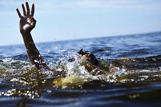 Nghệ An: Đi tắm sông, 2 học sinh lớp 12 đuối nước ngay trước kỳ thi THPT quốc gia - Ảnh 1