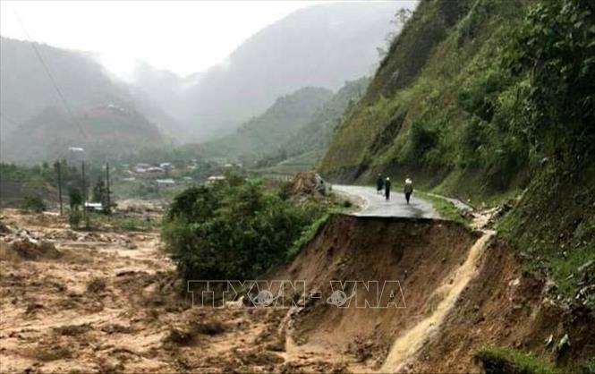Các tỉnh miền núi phía Bắc ứng phó với diễn biến mưa lũ bất thường - Ảnh 3