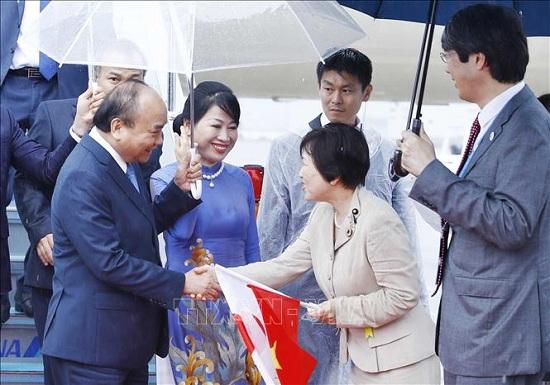 Thủ tướng Nguyễn Xuân Phúc đến Osaka, bắt đầu chuyến tham dự Hội nghị Thượng đỉnh G20 - Ảnh 2