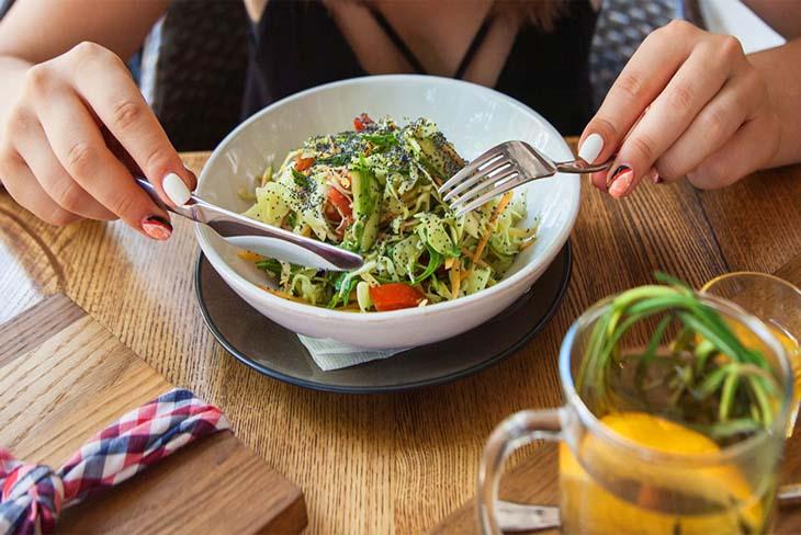 Ăn chay thế nào để vẫn đảm bảo đầy đủ dinh dưỡng? - Ảnh 1