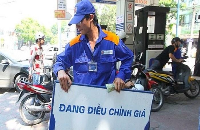 Giá xăng dầu dự kiến tăng mạnh vào ngày mai (2/7) - Ảnh 1