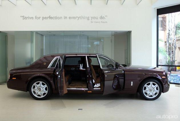 """Những siêu xe Rolls-Royce triệu đô đình đám của """"đại gia điếu cày"""" Lê Thanh Thản - Ảnh 2"""
