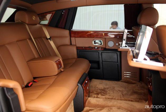 """Những siêu xe Rolls-Royce triệu đô đình đám của """"đại gia điếu cày"""" Lê Thanh Thản - Ảnh 3"""