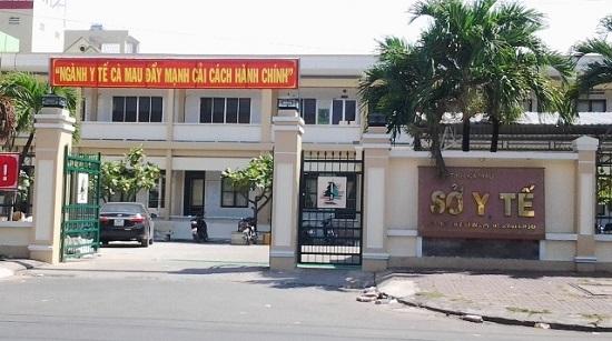 Để cấp dưới chiếm dụng tiền học phí của sinh viên, nguyên Giám đốc Sở Y tế Cà Mau bị khởi tố - Ảnh 1