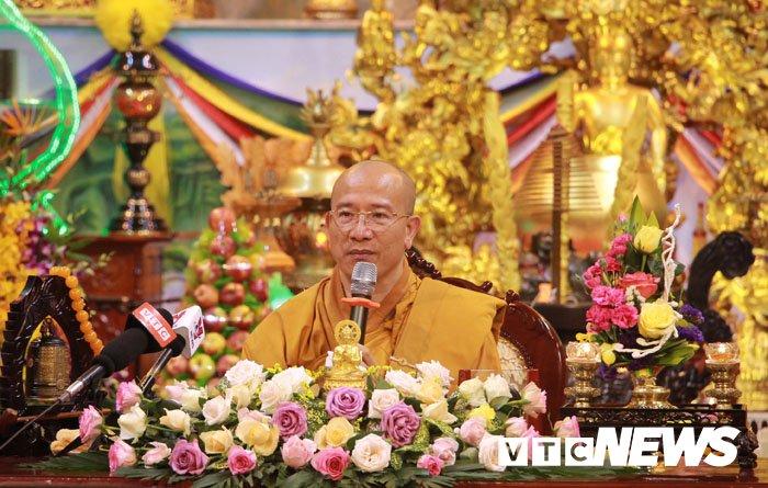 Sư trụ trì chùa Ba Vàng Thích Trúc Thái Minh bị tước hết chức vụ trong giáo hội - Ảnh 1