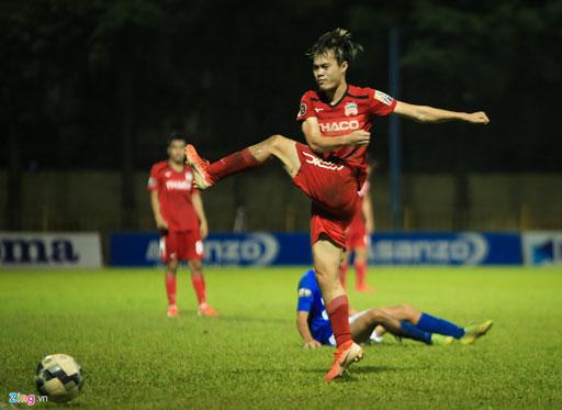 Vòng 15 V-League: Hành động không đẹp của Văn Toàn trong trận HAGL thua thảm - Ảnh 1