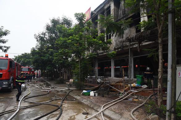 Hiện trường vụ cháy kinh hoàng ở Thiên đường Bảo Sơn, nhiều biệt thự bị thiêu rụi - Ảnh 7