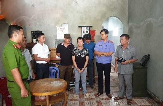 Vương Văn Hùng thực nghiệm lại cảnh siết cổ nữ sinh giao gà ở Điện Biên - Ảnh 2