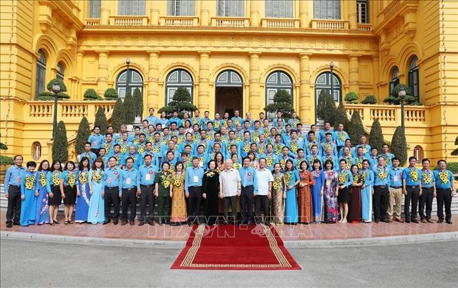 Tổng Bí thư, Chủ tịch nước Nguyễn Phú Trọng gặp mặt Đoàn đại biểu cán bộ công đoàn tiêu biểu - Ảnh 2