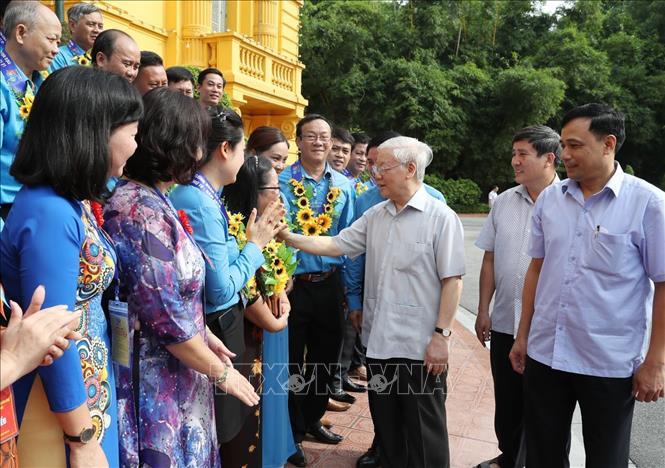 Tổng Bí thư, Chủ tịch nước Nguyễn Phú Trọng gặp mặt Đoàn đại biểu cán bộ công đoàn tiêu biểu - Ảnh 1