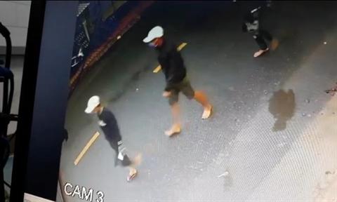 """Vụ ném bình ga, nổ súng truy sát đối thủ ở tiệm cầm đồ: Đối tượng cầm đầu là """"đại ca số má"""" - Ảnh 1"""