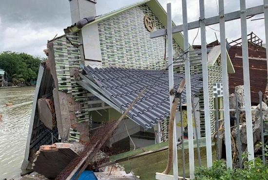 Cần Thơ: Sạt lở nghiêm trọng, nhiều nhà dân bị sụt xuống kênh nước - Ảnh 1