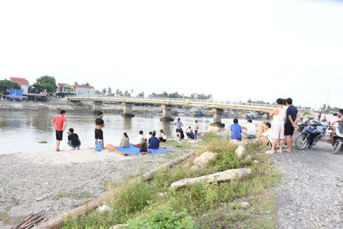 Tin tức thời sự mới nóng nhất hôm nay 8/7/2019: Người dân đổ xô lên núi kiếm đá tiền tỷ ở Yên Bái - Ảnh 2