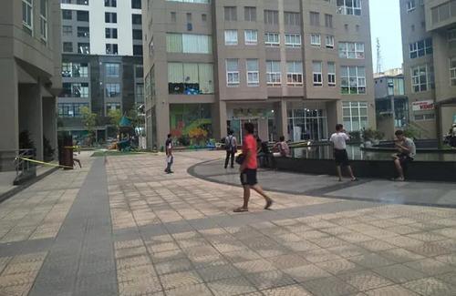 Nhân chứng vụ Phó Giám đốc Sở NN- PTNT Hà Nội tử vong vì rơi từ tầng cao: Nghe thấy tiếng động lớn - Ảnh 1