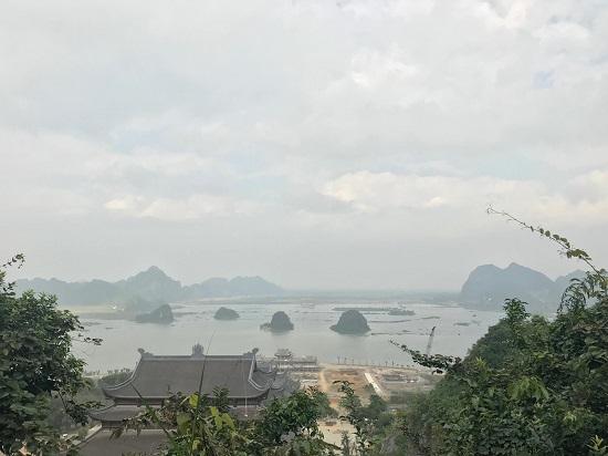 Bộ Tài nguyên và Môi trường trả lời chất vấn của ĐBQH về việc cấp đất cho doanh nghiệp xây chùa - Ảnh 1