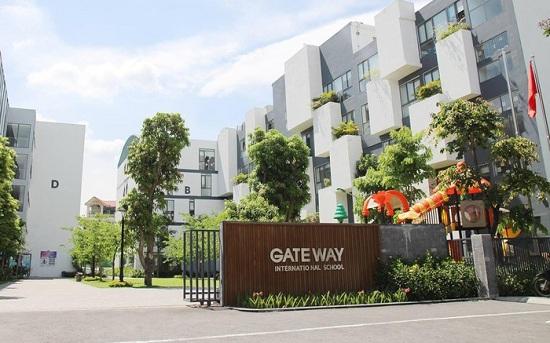 Hà Nội quán triệt các trường đảm bảo an toàn cho học sinh sau vụ bé lớp 1 trường Gateway tử vong trên xe ô tô - Ảnh 1