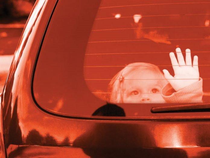Chuyên gia hướng dẫn kỹ năng thoát hiểm cho trẻ khi ở một mình trên ô tô - Ảnh 1