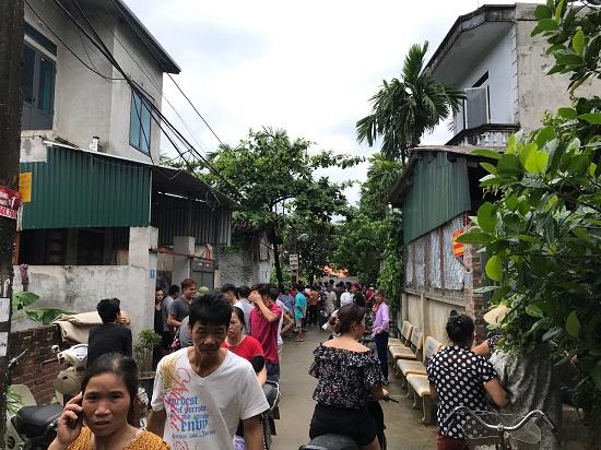 Hiện trường vụ trọng án anh trai chém 5 người trong gia đình thương vong ở Hà Nội - Ảnh 2