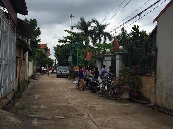 Hiện trường vụ trọng án anh trai chém 5 người trong gia đình thương vong ở Hà Nội - Ảnh 3