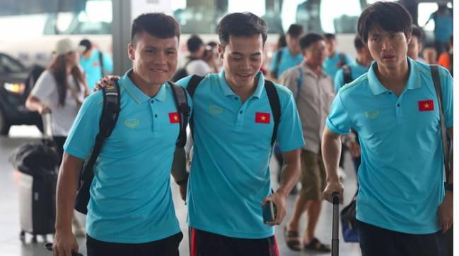 Thầy trò HLV Park Hang- seo lên đường sang Thái Lan, chuẩn bị thi đấu Vòng loại thứ 2 World Cup 2022 - Ảnh 2
