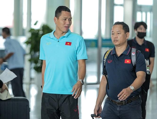 Thầy trò HLV Park Hang- seo lên đường sang Thái Lan, chuẩn bị thi đấu Vòng loại thứ 2 World Cup 2022 - Ảnh 5