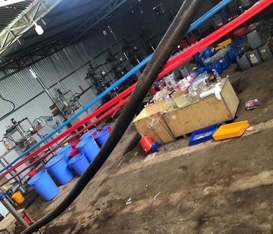 Hiện trường vụ công an triệt phá xưởng sản xuất ma túy cực lớn tại Kon Tum, thu 13 tấn tiền chất - Ảnh 5