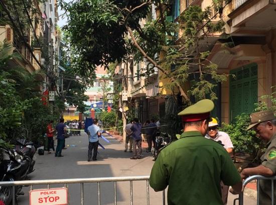 Hà Nội: Điều tra nghi án nam thanh niên sát hại 2 nữ sinh viên rồi nhảy từ tầng cao xuống đất - Ảnh 1