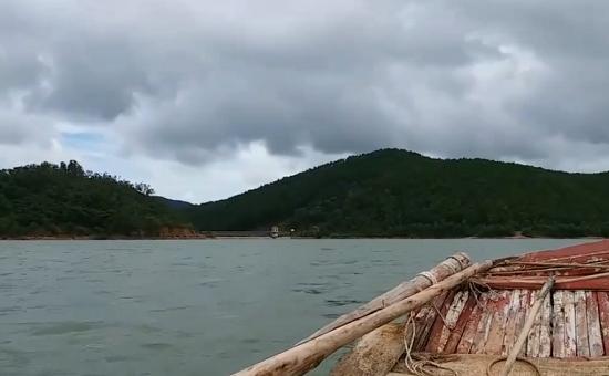 Nghệ An: Xót xa nam sinh lớp 12 đuối nước tử vong khi đi câu cá cùng bạn - Ảnh 1
