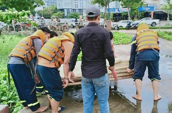 Đà Nẵng: Tìm thấy thi thể nam thanh niên nhảy cầu tự vẫn, nghi do buồn chuyện bệnh tật - Ảnh 1