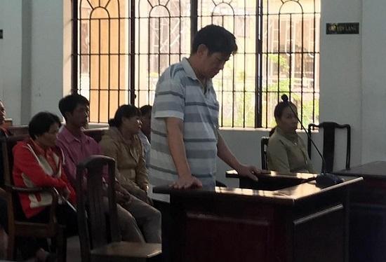 Đồng Nai: Xét xử người đàn ông chém hàng xóm tử vong vì bị nói có quan hệ bất chính - Ảnh 1
