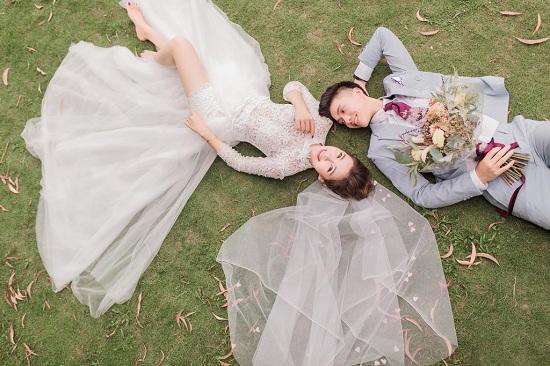Phát sốt với bộ ảnh cưới siêu lãng mạn của vợ chồng cầu thủ Phan Văn Đức - Ảnh 4