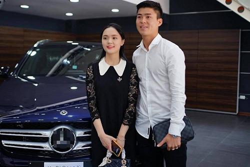 Khối tài sản khổng lồ của cầu thủ Đỗ Duy Mạnh và bạn gái Quỳnh Anh khi về chung nhà - Ảnh 1