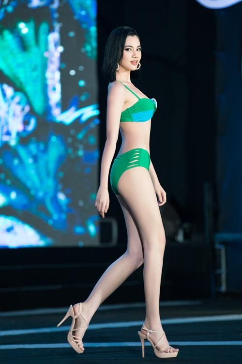 """""""Bỏng mắt"""" với phần trình diễn bikini khoe đường cong nuột nà của thí sinh Hoa Hậu Việt Nam 2020 - Ảnh 6"""