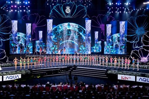 """""""Bỏng mắt"""" với phần trình diễn bikini khoe đường cong nuột nà của thí sinh Hoa Hậu Việt Nam 2020 - Ảnh 8"""