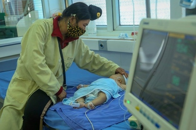 Hai trẻ tử vong sau khi tiêm vắc xin: Khâu bảo quản và tiêm đều đúng quy trình - Ảnh 1