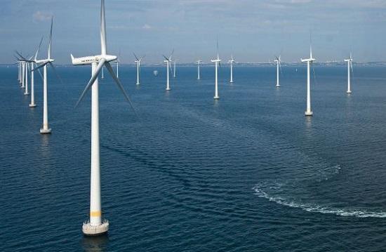 Doanh nghiệp nước ngoài khảo sát dự án điện gió 1,5 tỷ USD trên biển Bình Định - Ảnh 1