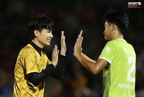 """Quang Hải - Văn Hậu được săn đón trong trận bóng """"toàn sao"""" do Jack tổ chức - Ảnh 1"""