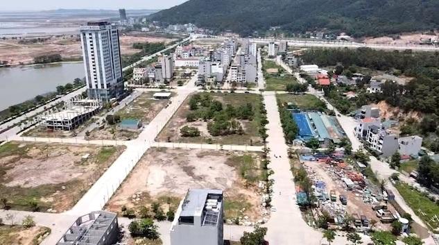 Quảng Ninh: Tạm dừng tách thửa, chuyển nhượng đất đai tại nhiều nơi ở Hạ Long - Ảnh 1