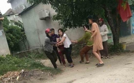 Vụ chủ nợ bi lột đồ, đánh đập dã man ở Nghệ An: Nhóm đối tượng sắp hầu tòa - Ảnh 1