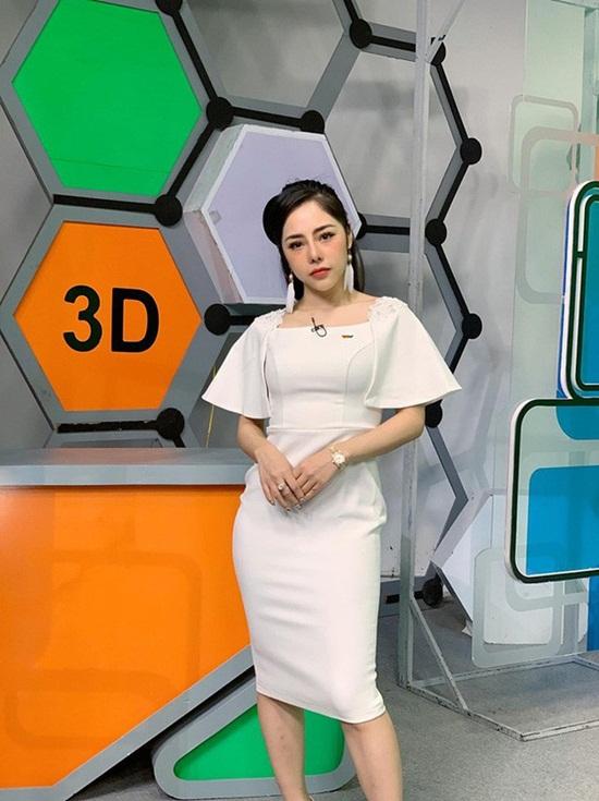 Vóc dáng nóng bỏng của nữ MC VTV vừa công khai hẹn hò Huỳnh Anh - Ảnh 3