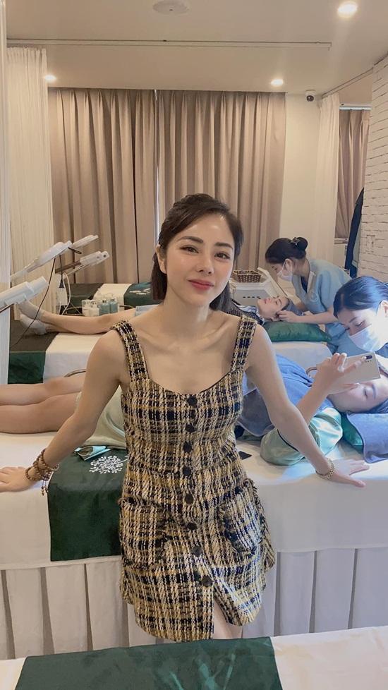 Vóc dáng nóng bỏng của nữ MC VTV vừa công khai hẹn hò Huỳnh Anh - Ảnh 7