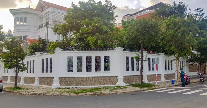 Tin tức thời sự mới nóng nhất hôm nay 3/11: Sức khỏe nguyên Bí thư Thành ủy Nha Trang sau khi bị tấn công - Ảnh 1
