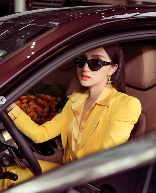 """""""Soi"""" khối tài sản đáng ngưỡng mộ của Hoa hậu Hương Giang ở tuổi 29 - Ảnh 1"""