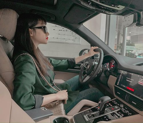 """""""Soi"""" khối tài sản đáng ngưỡng mộ của Hoa hậu Hương Giang ở tuổi 29 - Ảnh 3"""