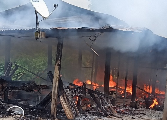 Quảng Nam: 2 chị em ruột tử vong thương tâm trong ngôi nhà bốc cháy - Ảnh 1