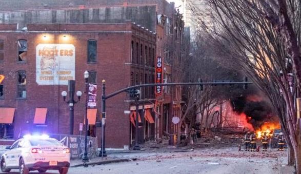 Vụ nổ kinh hoàng tại trung tâm thành phố ở Mỹ ngày Giáng sinh: Bí ẩn ngôi nhà màu đỏ - Ảnh 1