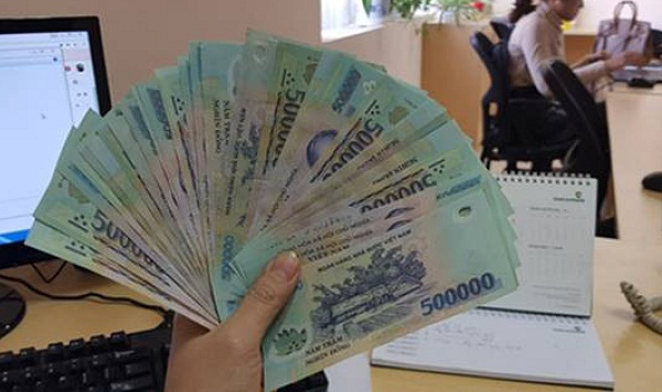 Hà Nội thưởng Tết cao nhất 400 triệu đồng/người - Ảnh 1