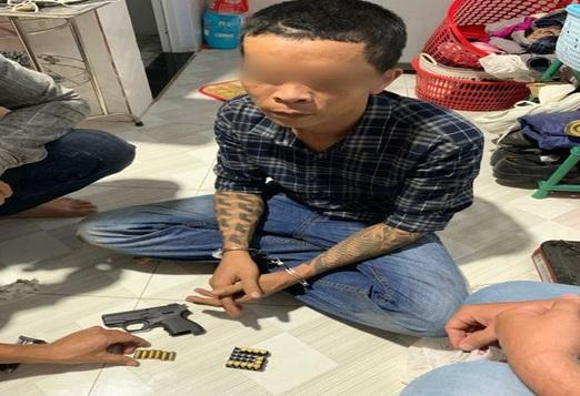 Đồng Nai: Người đàn ông mua súng trên mạng để đi hù dọa đối thủ - Ảnh 1